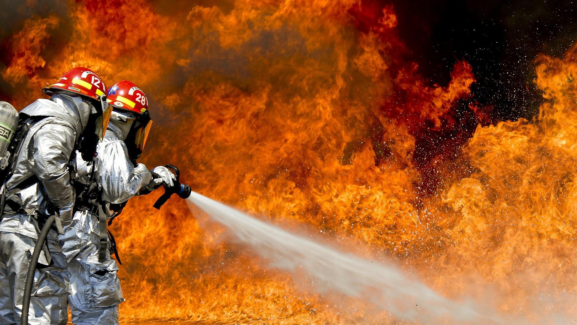 картинки про пожаротушение богатырев