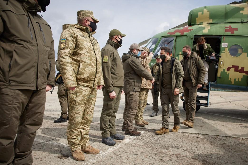 Зеленский побывал с визитом на Донбассе: подробности (ФОТО) - фото 4