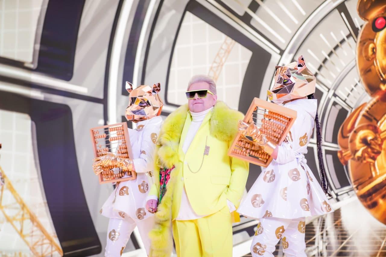 Михаил Поплавский решил превратить сало в золото в новом клипе - фото 3