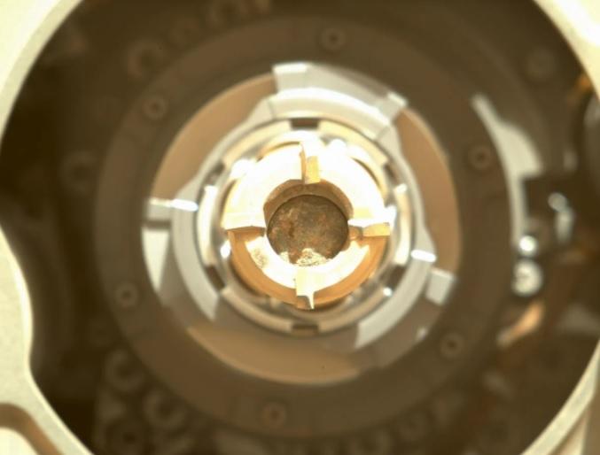 NASA Perseverance добыл образцы горной породы на Марсе (ФОТО)  - фото 2