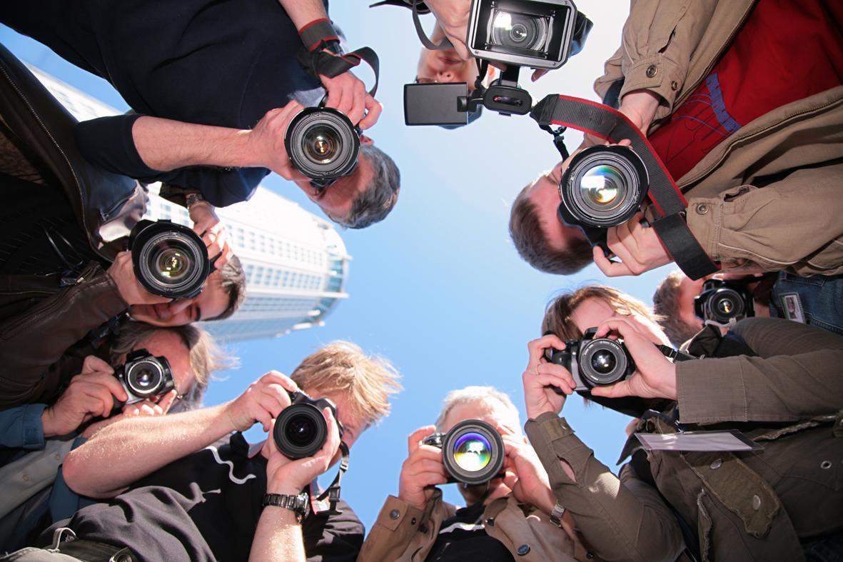 приснилось что я фотографирую свой коллектив массово подписывают петицию