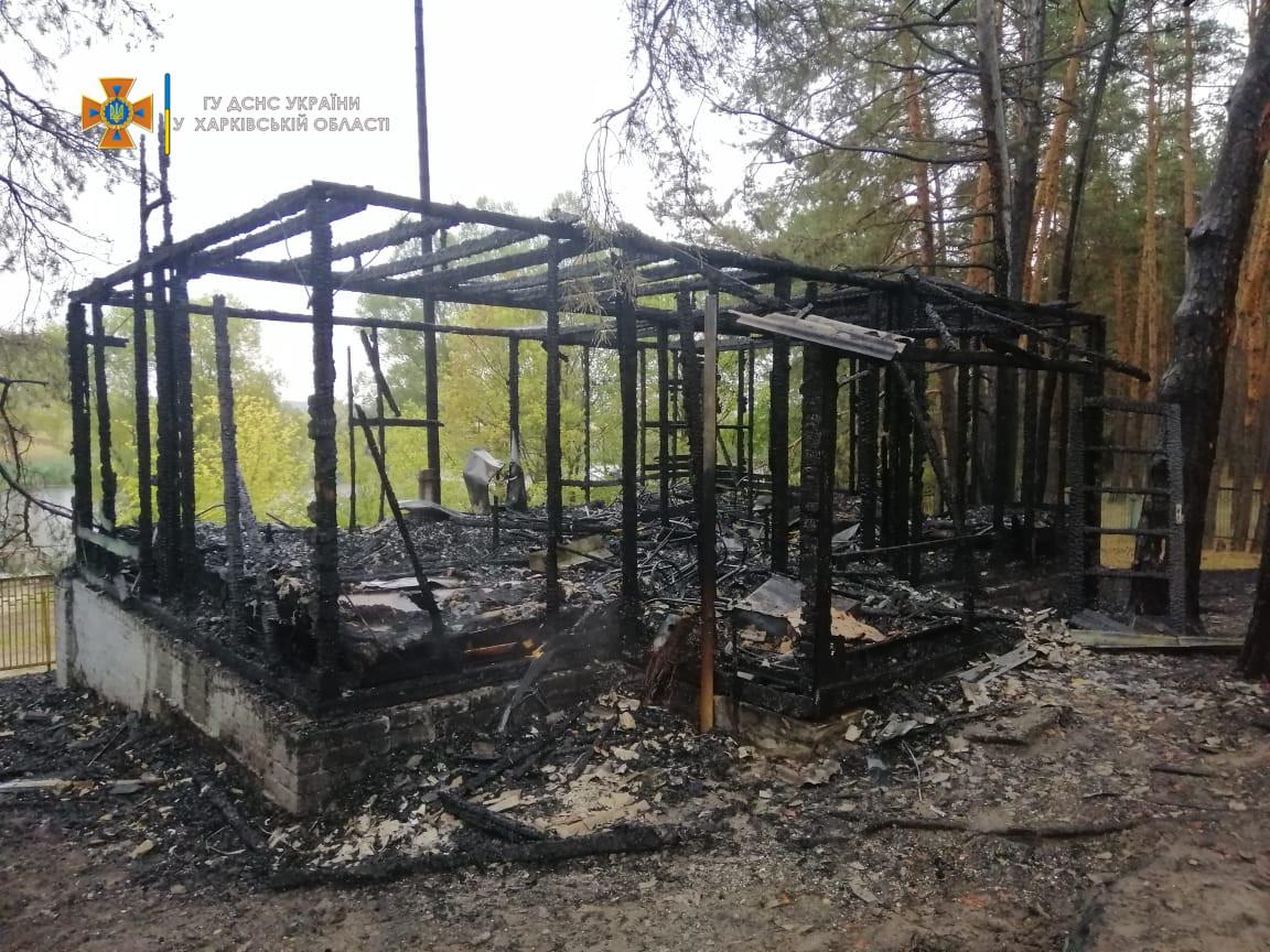 З бази відпочинку - до лікарні: скільки людей постраждало під час пожежі в Харківській області - фото 3