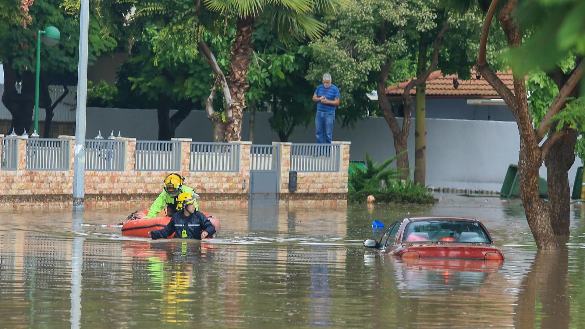 Сильные наводнения обрушились на Израиль после одного из самых дождливых дней в истории страны  - фото 3
