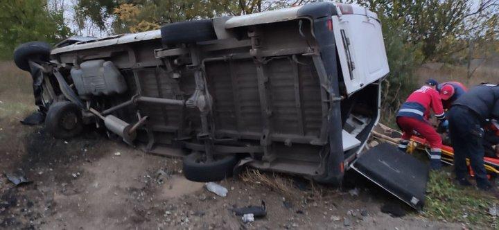 На трассе Одесса-Рени столкнулись микроавтобусы, есть погибшие - фото 3