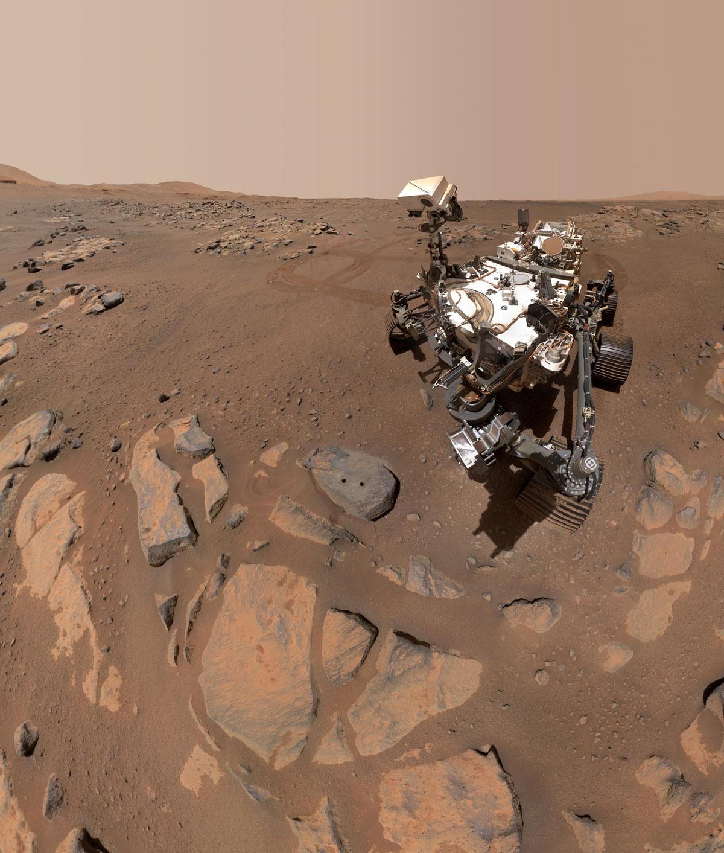 Марсианское селфи: ровер NASA прислал новое фото с красной планеты  - фото 2