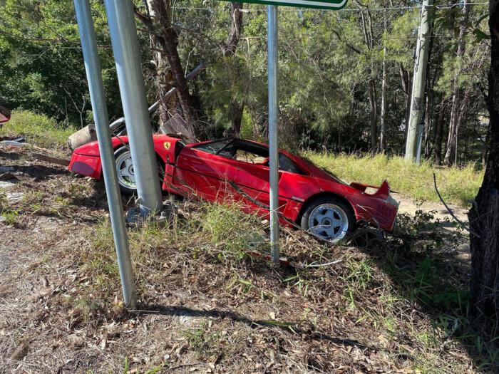 Австралиец разбил уникальный автомобиль во время тест-драйва - фото 3