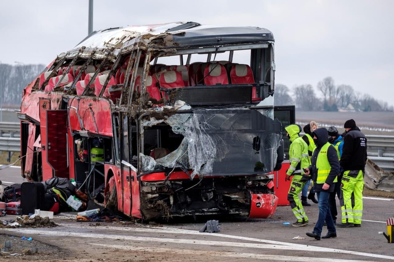 У Польщі сталася масштабна ДТП, де постраждали українці: названо причину (ФОТО) — ОНОВЛЕНО - фото 3