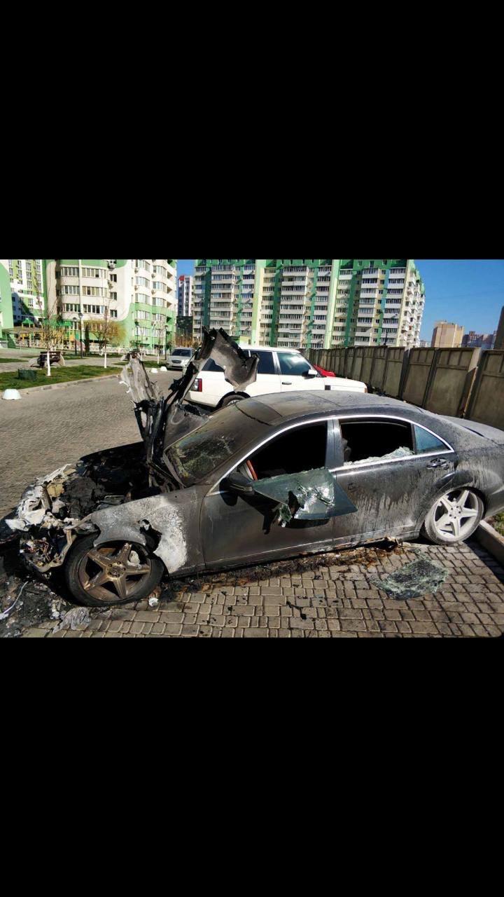 В Одесі викрили пожежника-підпалювача, який на заказ спалював коштовні автівки - прокуратура - фото 2