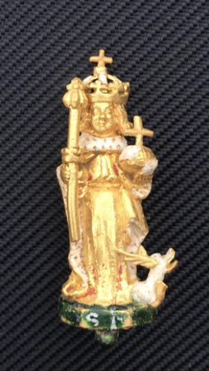 Чоловік знайшов фрагмент золотої корони, яка належала британським королям 400 років тому (Фото) - фото 2