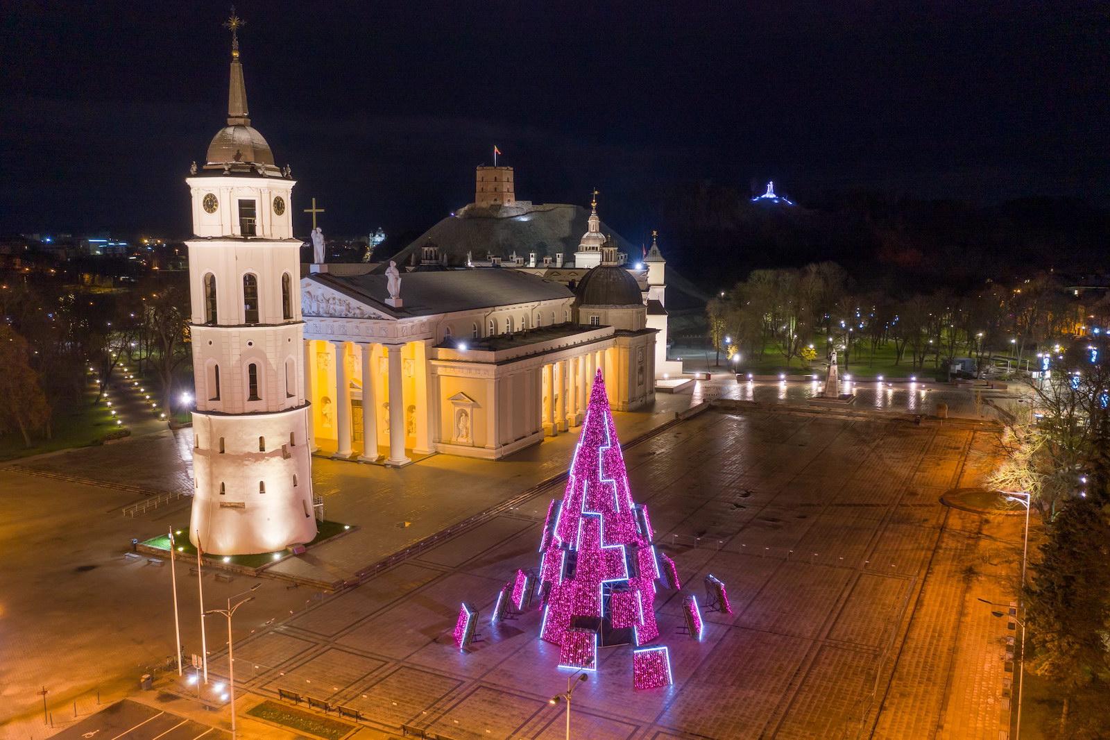 Заряд бадьорості: стало відомо, на якій енергії працює головна ялинка Литви - фото 2