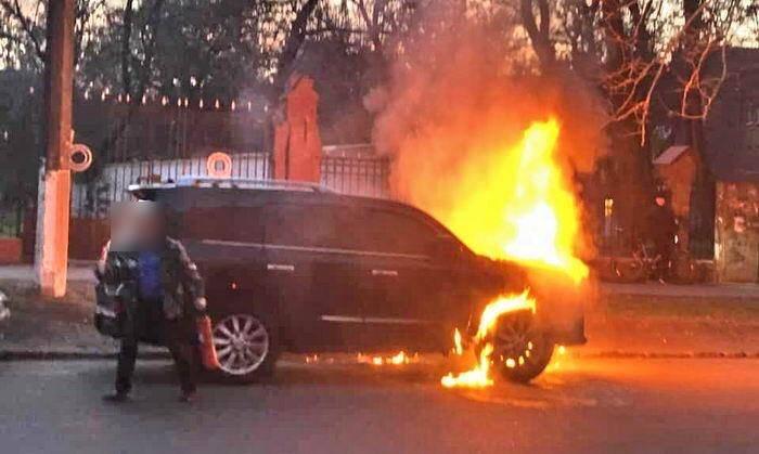 В Одесі викрили пожежника-підпалювача, який на заказ спалював коштовні автівки - прокуратура - фото 6