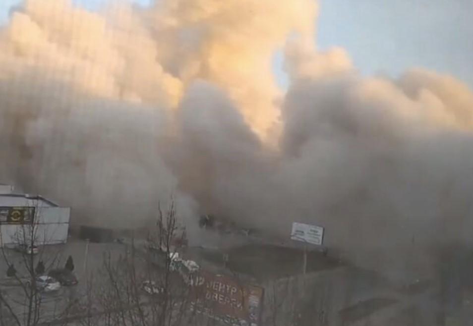 В российском супермаркете произошел взрыв: здание обрушилось (ФОТО)  - фото 2