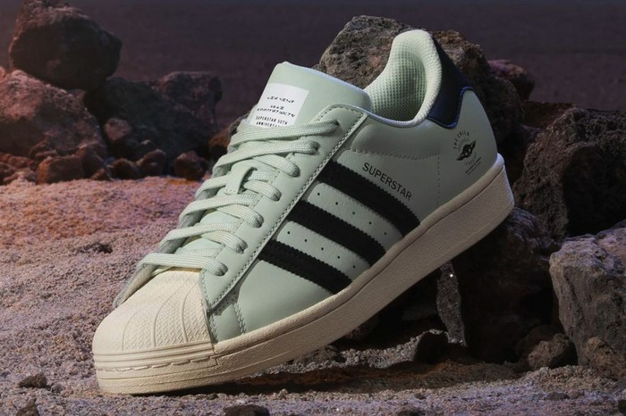 Adidas посвятили новые кроссовки малышу Йоде - фото 4