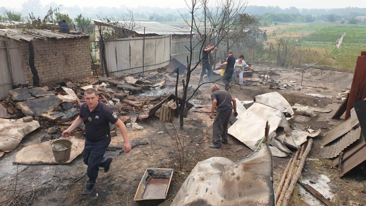 Пожары в Луганской области: устрашающие фото масштабного огня - фото 3