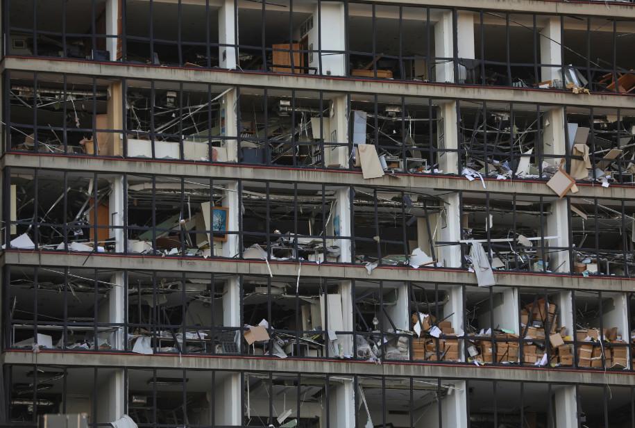 Будто кадры из фильма про Армагеддон: как выглядит Бейрут после взрывов (ФОТО, ВИДЕО) - фото 2