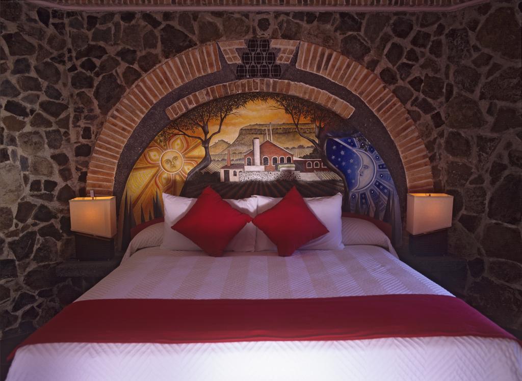 Провести ночь в бочке из-под текилы: в Мексике открыли отель на территории завода по производству напитка - фото 17