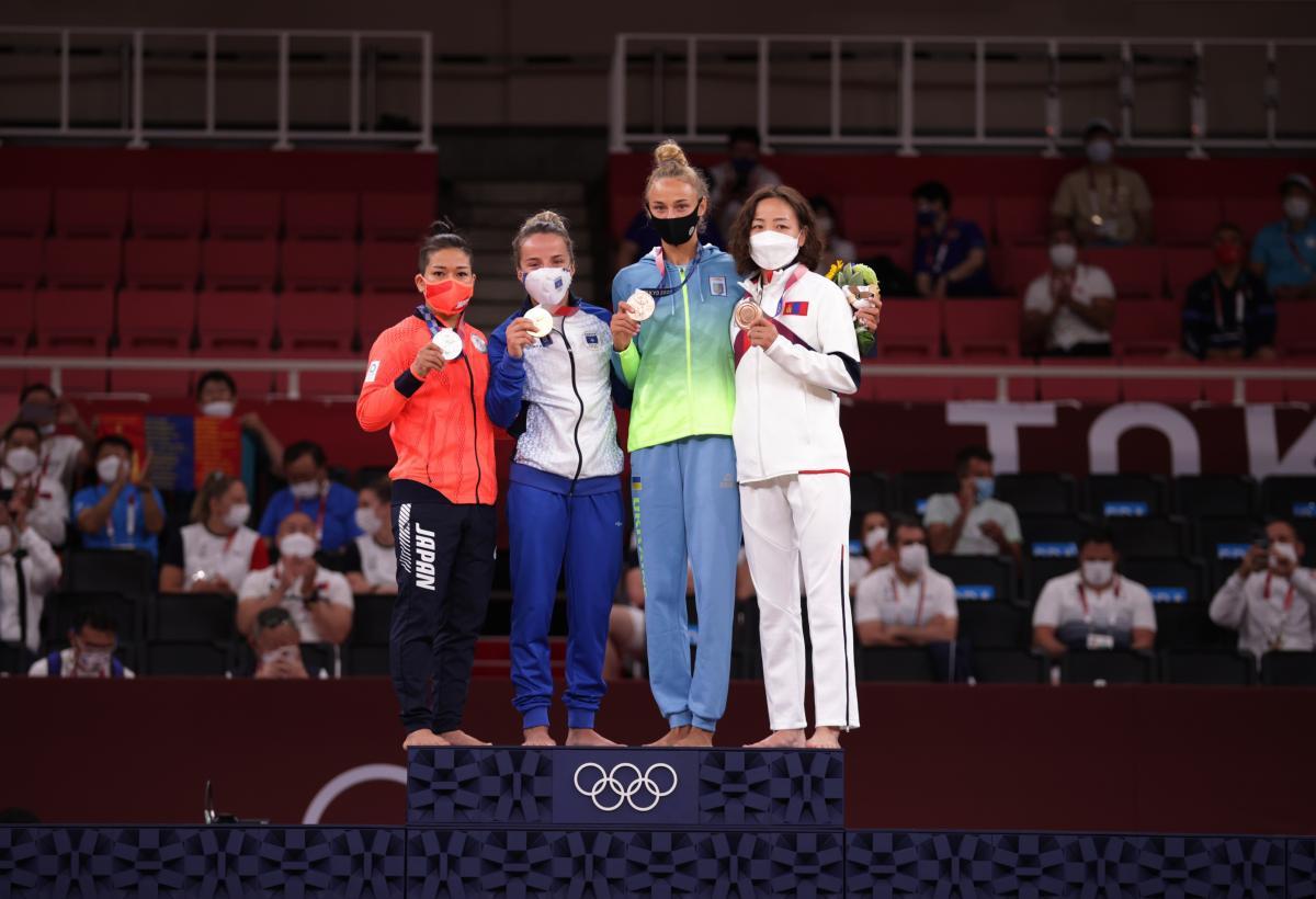 Перша медаль України на Олімпіаді в Токіо: як пройшла церемонія нагородження (ФОТО) - фото 2