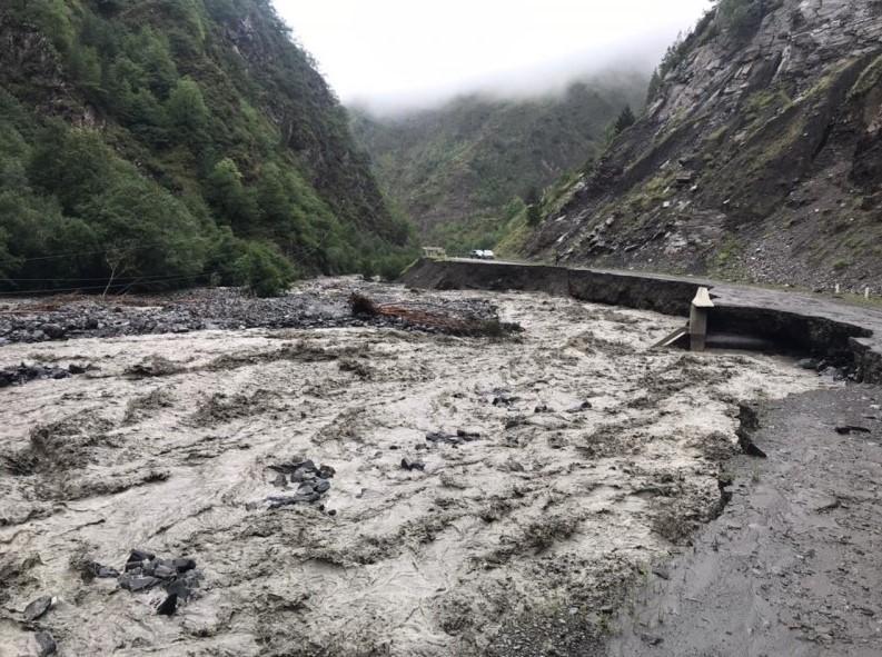 В Дагестане камнепад разрушил деревню (ФОТО) - фото 2