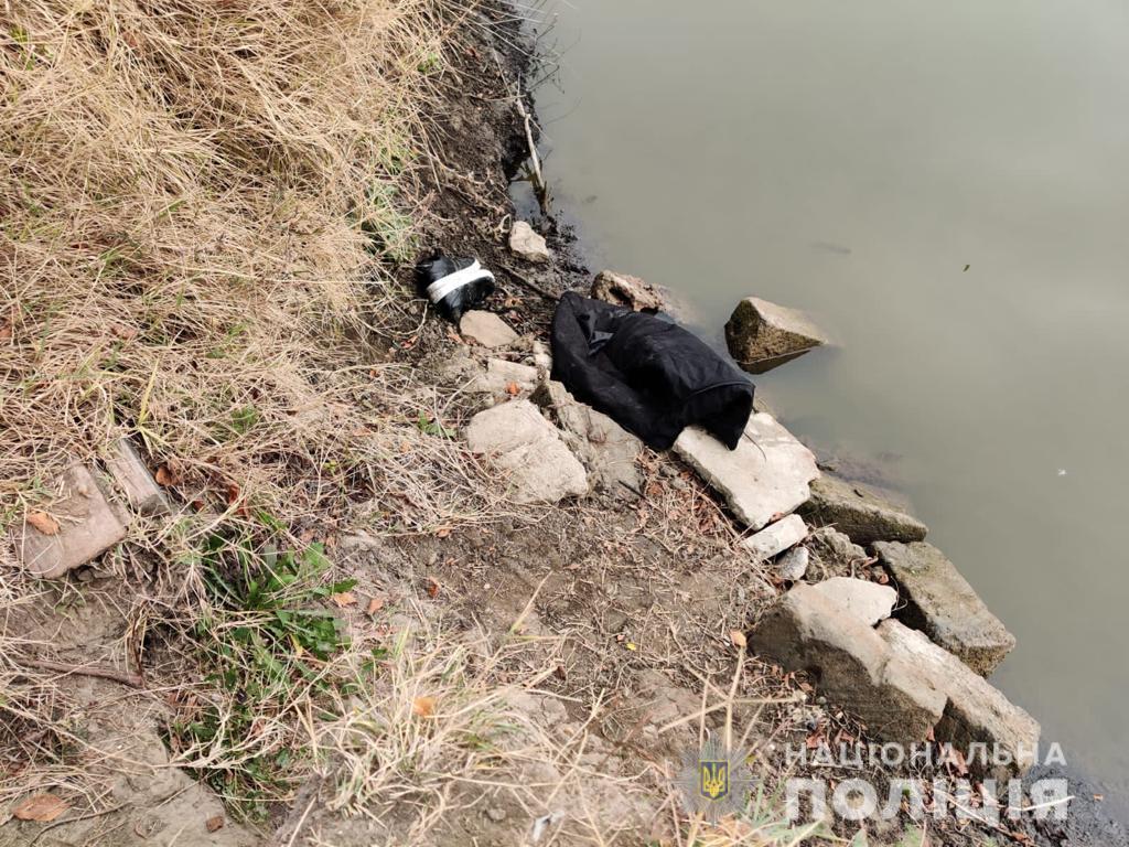 В Одесской области в канале обнаружили тело жестоко убитого мужчины: подробности (ФОТО) - фото 2