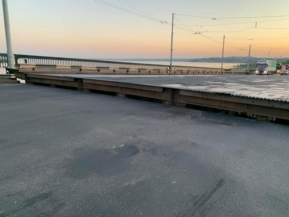 Примхливий міст у Миколаєві: відома причина самовільного розведення (ФОТО, ВІДЕО) - фото 3