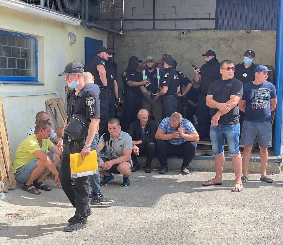 """""""Слуги народа"""" с полицией поддерживают муниципальные перевороты: теперь Бурынь в Сумской области  - фото 2"""