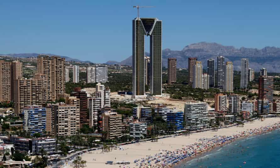 В Испании построили самый высокий дом в Европе: как он выглядит и сколько стоят квартиры (ФОТО)  - фото 2