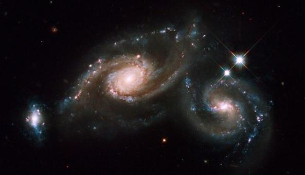 Ученые запечатлели триплет галактик: как они выглядят (ФОТО)  - фото 2