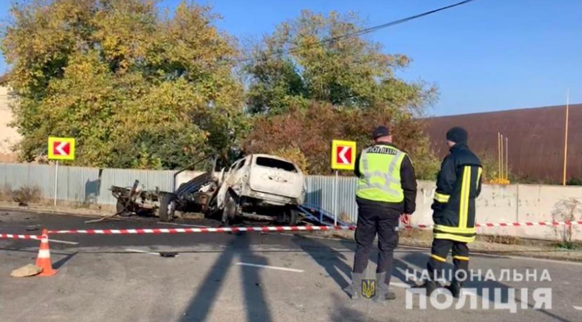 Сгорели заживо: в Закарпатской области легковушка столкнулась с эвакуатором - погибли четыре человека (ФОТО)