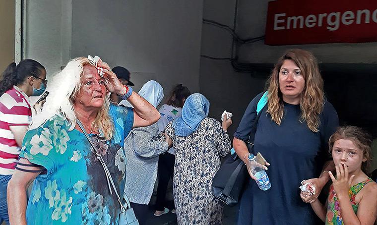 Будто кадры из фильма про Армагеддон: как выглядит Бейрут после взрывов (ФОТО, ВИДЕО) - фото 11