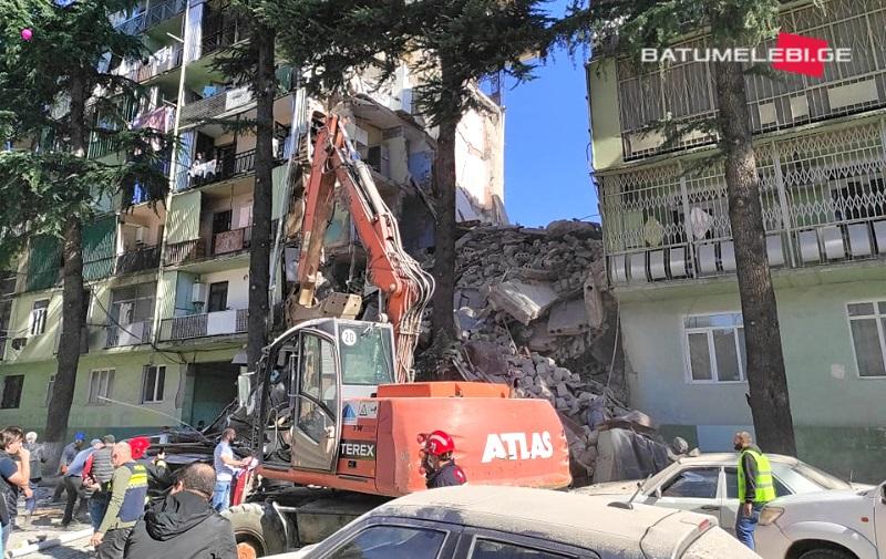 В Грузии обрушилась многоэтажка: есть жертвы (ФОТО)  - фото 2