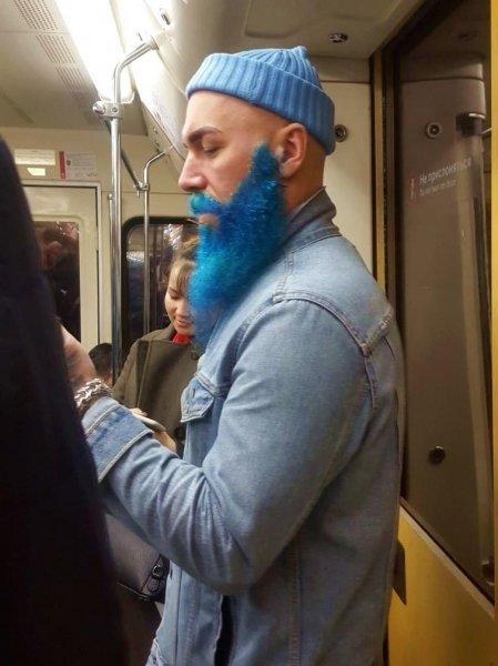 Добірка смішних та дуже дивних пасажирів в метро (Фото) - фото 7