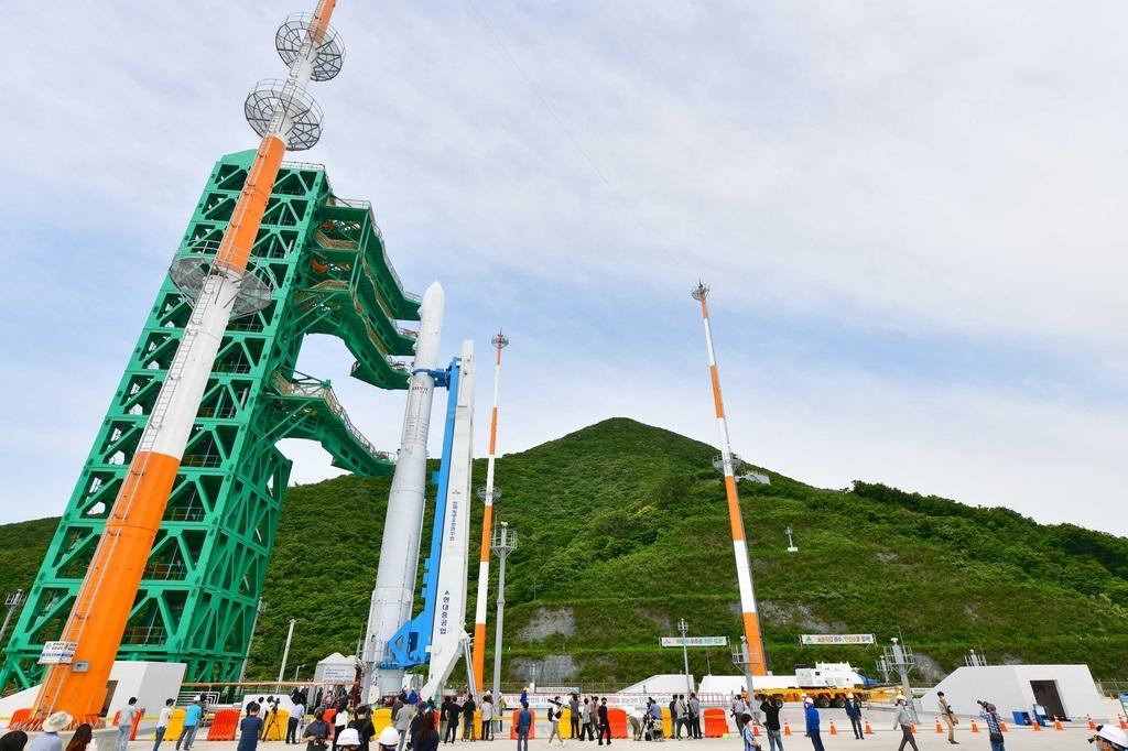 Как выглядит первая южнокорейская космическая ракета (ФОТО) - фото 2