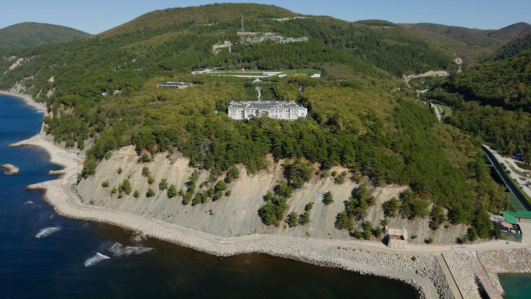 В России выпустили фильм о роскошном дворце Путина - его размеры впечатляют (фото, видео) - фото 5