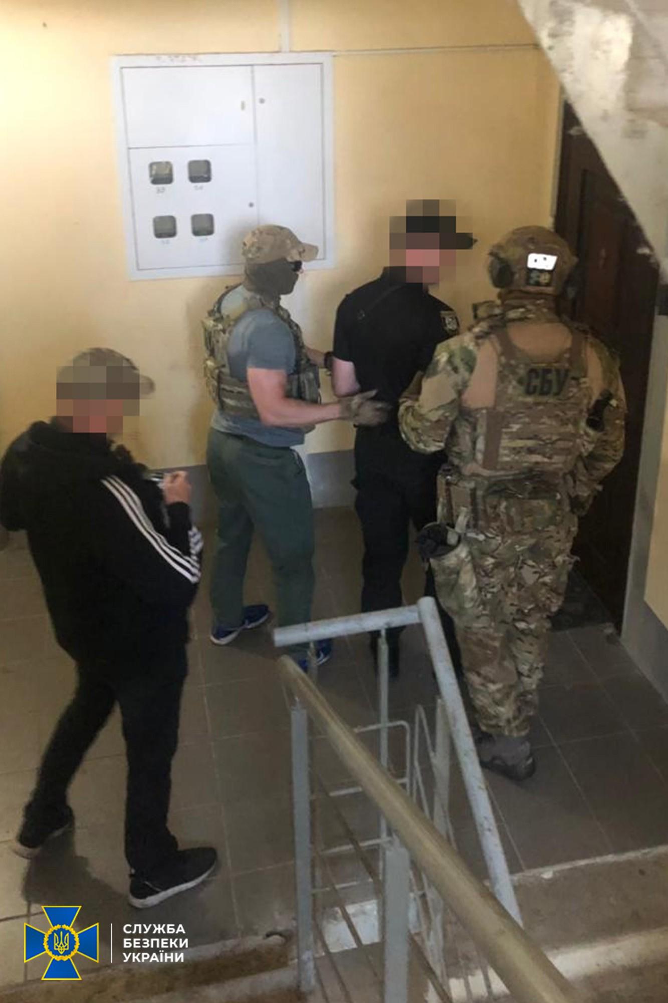 """Что делал бывший боевик """"ЛНР"""" в рядах луганской милиции - фото 4"""