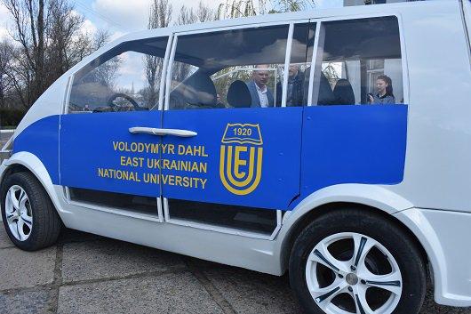 В Украине создали макет первого электромобиля (Фото) - фото 3