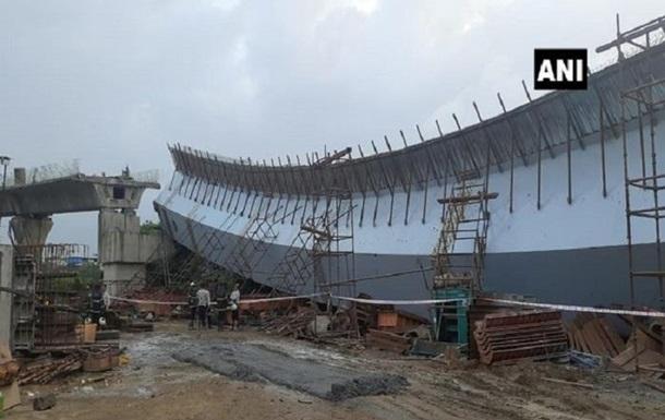В Індії впала естакада: багато постраждалих (ФОТО) - фото 2