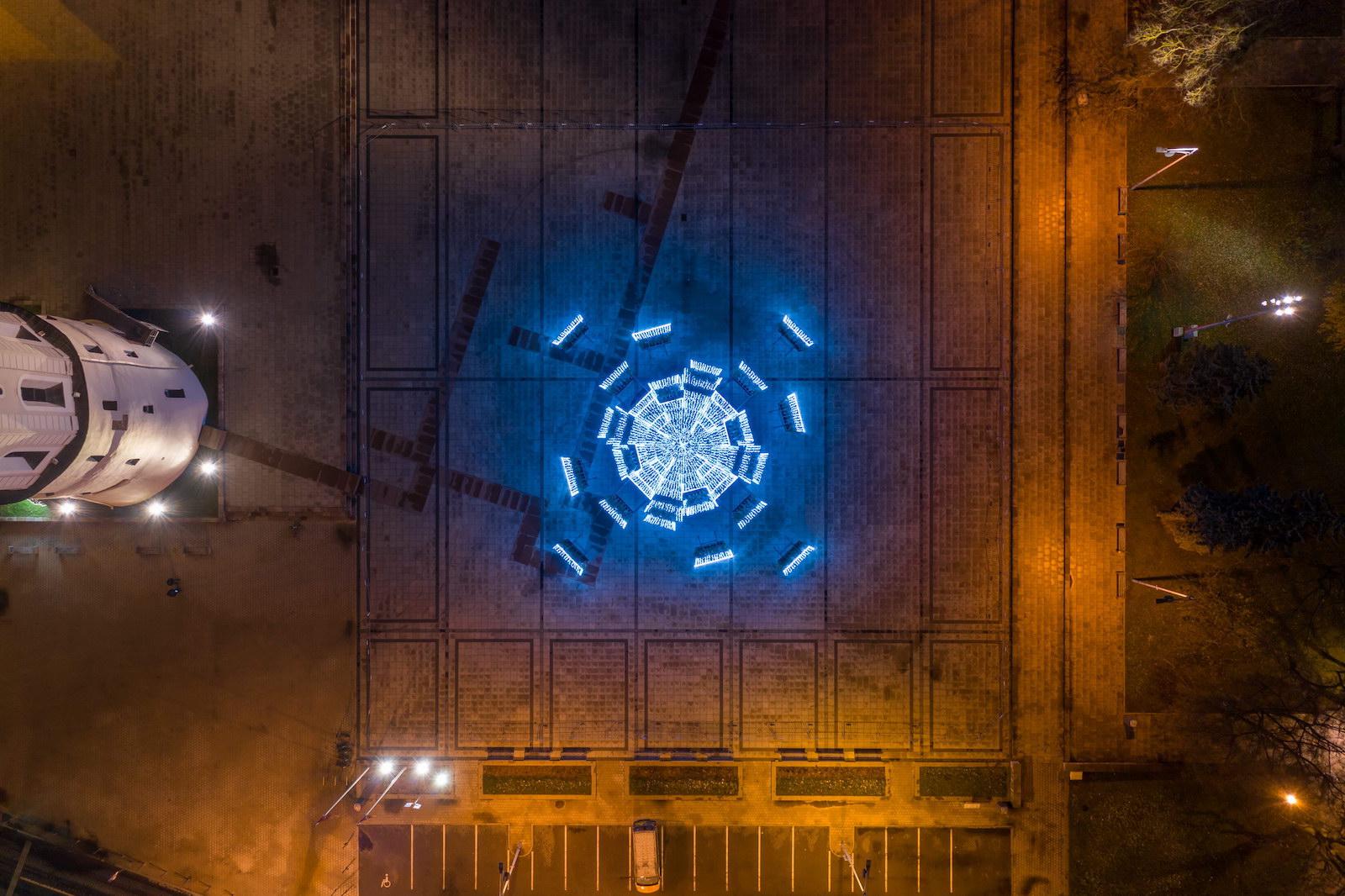 Заряд бадьорості: стало відомо, на якій енергії працює головна ялинка Литви - фото 5