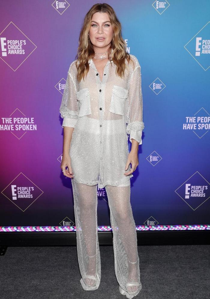 People's Choice Awards: лучшие звездные наряды на красной дорожке - фото 5