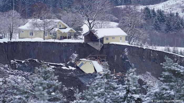 В Норвегии продолжают находить трупы без вести пропавших после разрушительного оползня - фото 3