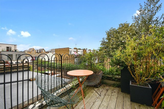 Найвужчий будинок в Лондоні продають за 1,2 мільйона доларів (фото) - фото 5