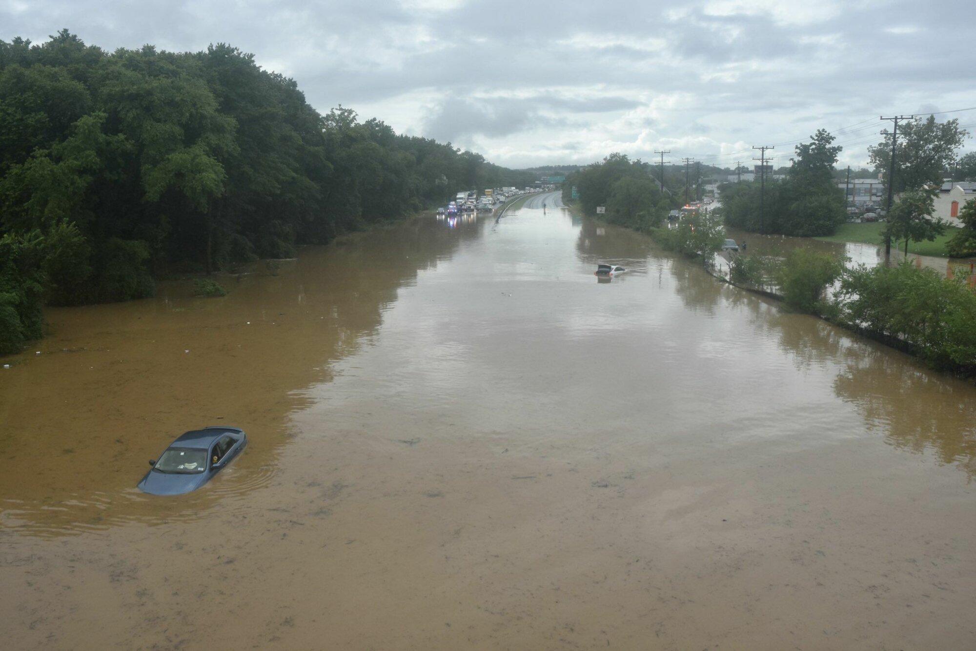 Ливни затопили часть штата Вашингтон, Мэриленд и Вирджинию (фото) - фото 3