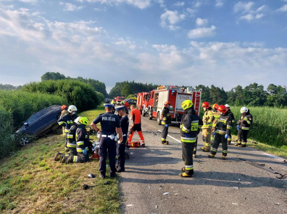 В Польше микроавтобус с украинцами попал в ДТП: есть погибшие и пострадавшие (ФОТО)  - фото 3