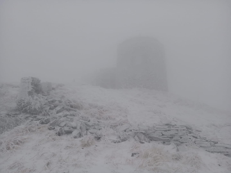 Украинский курорт засыпало снегом (фото) - фото 2