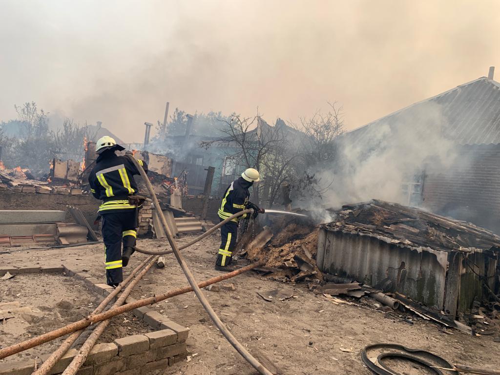 Пожары в Луганской области: устрашающие фото масштабного огня - фото 12