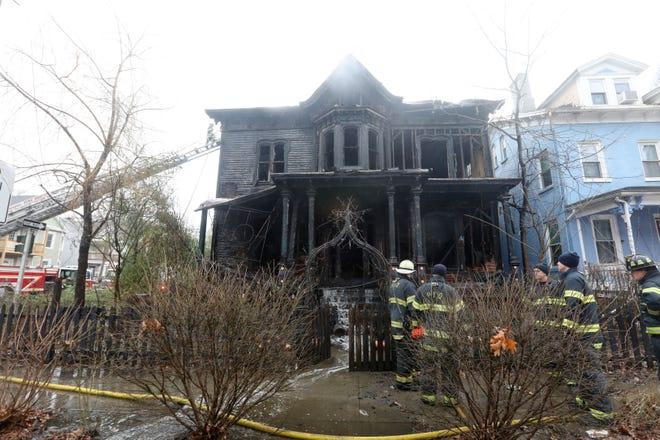 У США згорів «Пекельний будинок» (ФОТО, ВІДЕО) - фото 2