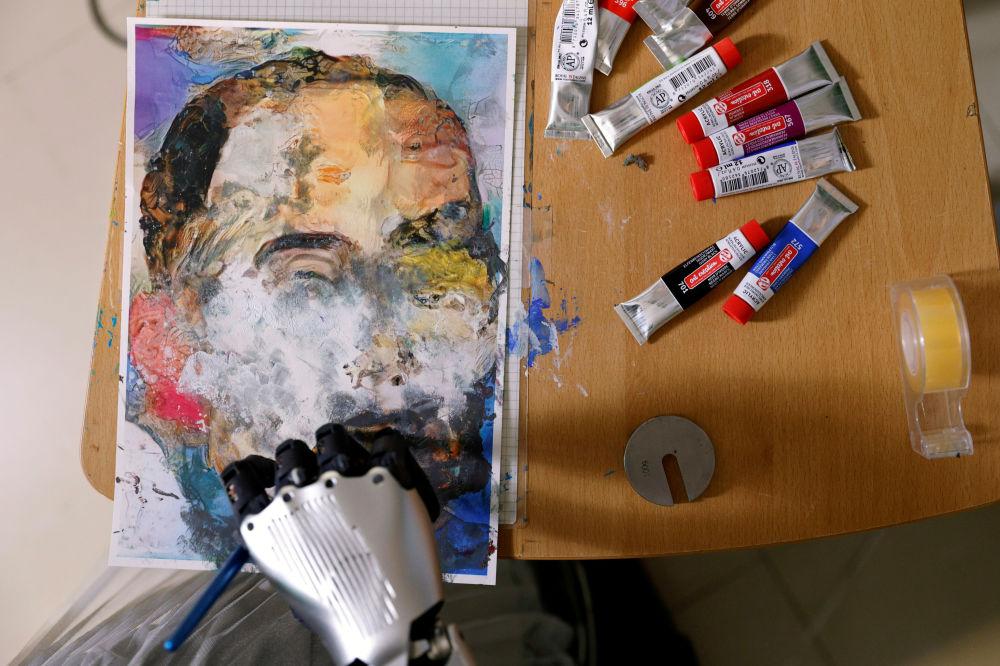У світі вперше продадуть картину, намальовану роботом Софією (Відео, Фото) - фото 4