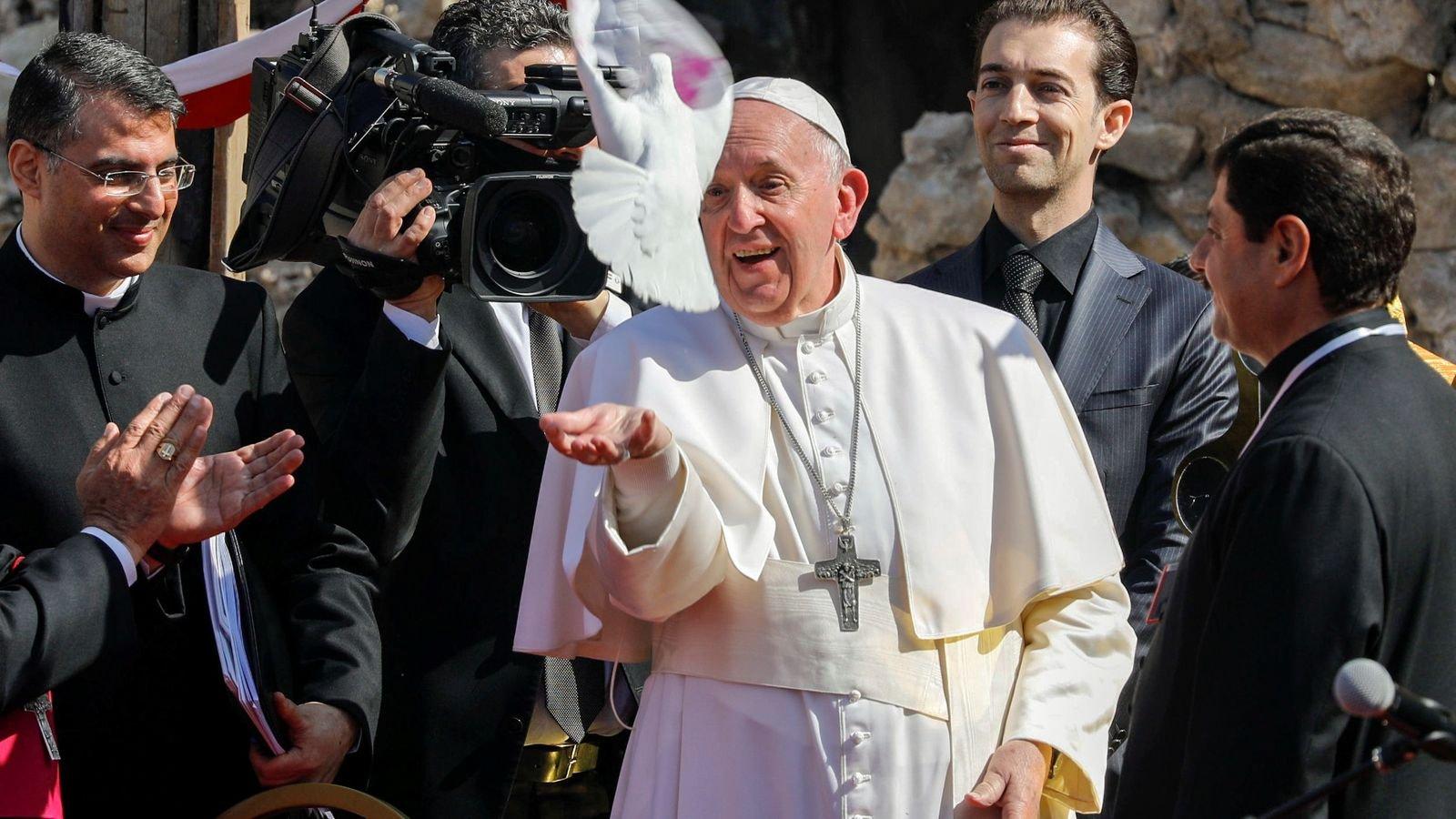 «Мир мощнее войны»: Папа Римский выступил в «столице» ИГИЛ - фото 3