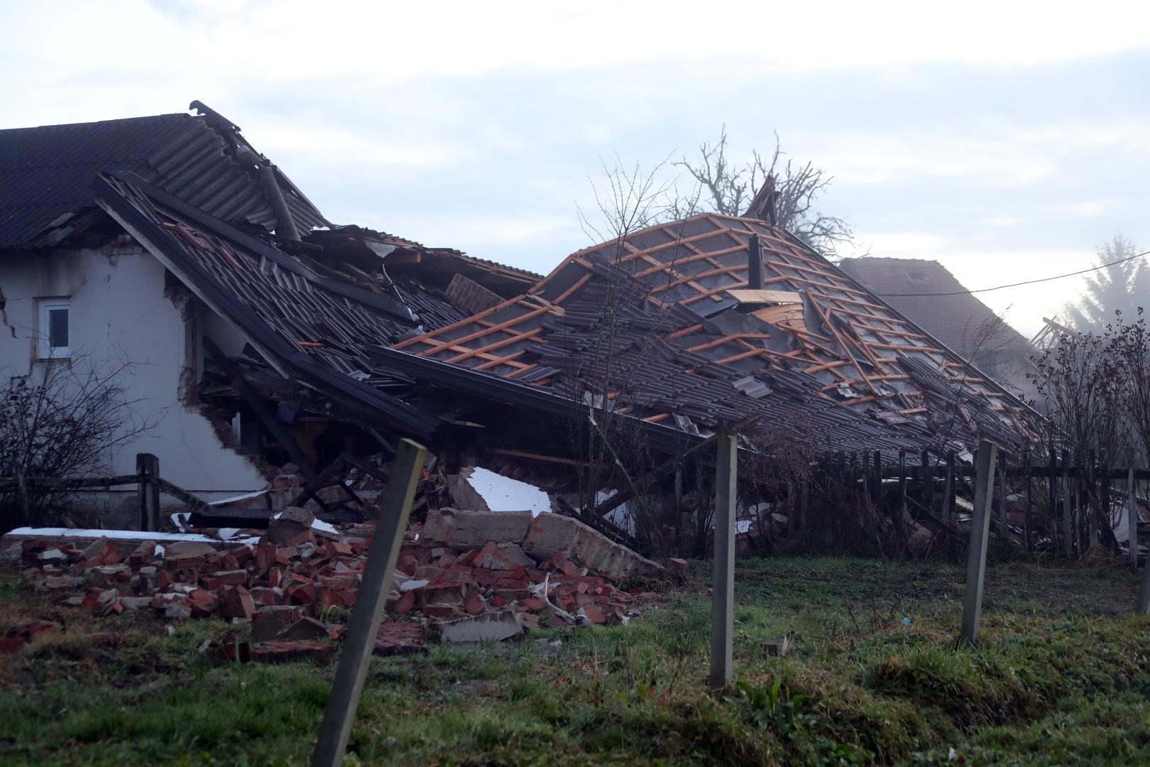 У Хорватії - нові землетруси: люди ночували на вулицях - фото 3