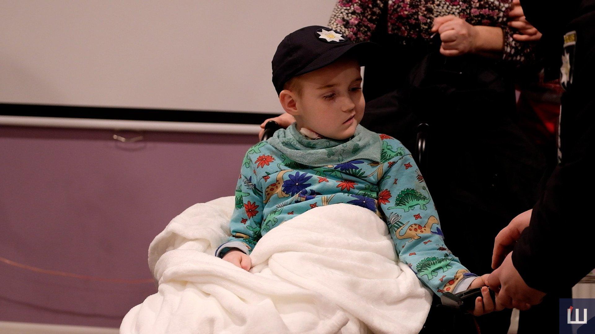 Осуществить заветную мечту: в Черновцах больного раком мальчика приняли в ряды полиции (ФОТО, ВИДЕО) - фото 7