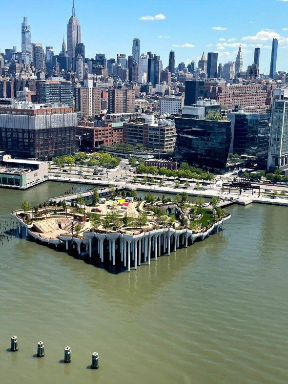 У Нью-Йорку створили острів на колонах за 260 млн доларів (Фото) - фото 2